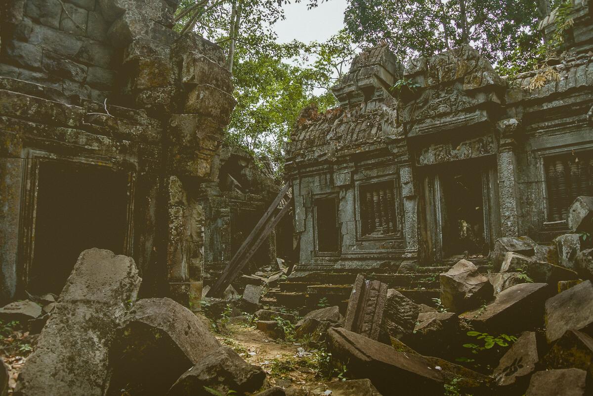 temples in siem reap Banteay Ampil