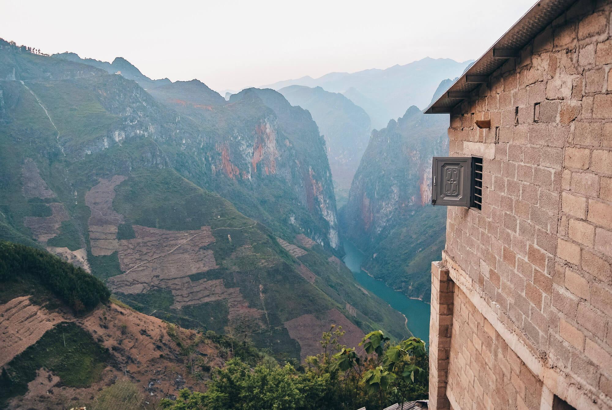 View of Ma Pi Leng Pass